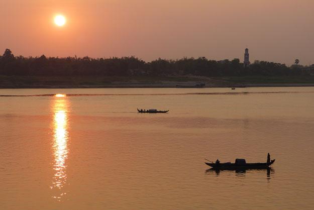 pêcheurs sur le Mékong à Kompong Cham