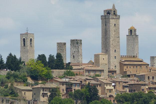 Tours médiévales