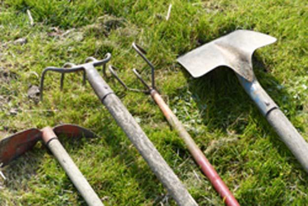 outils pour plantation et semis