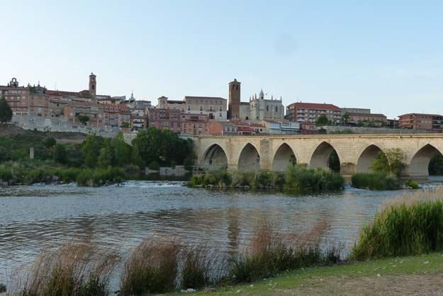 Première rencontre avec le fleuve Douro à Tordesillas (Espagne)