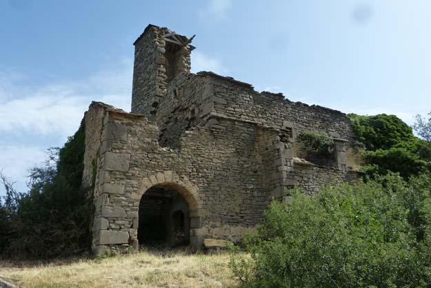Les restes de l'église du village d'Ibirque