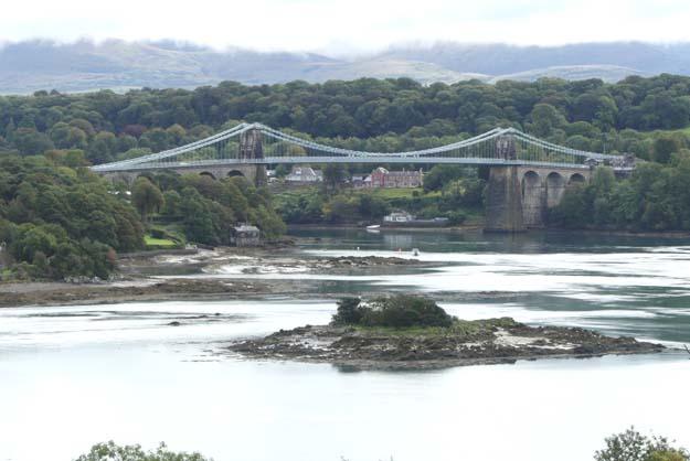 Le Menai Bridge, un des deux ponts d'accès à l'île Anglesey