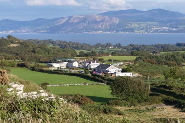 Vue sur la mer et les montagnes Snowdonia